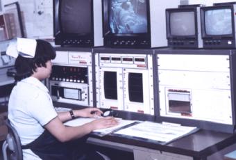 開設当初の心電図モニター