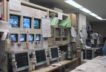 東館集中治療室のセントラルモニター